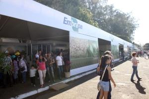 Embrapa compareceu na 11ª Agrifam com 11 de suas 47 unidades de pesquisa (foto: Giuliano Martins)